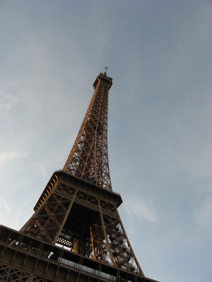 Eiffel_tower_my_morning_view_at_the_red_