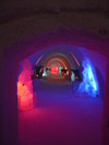 Ice_hotel_entrance_to_rooms_1