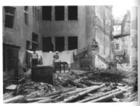 Laundry_day_in_the_rubble_2